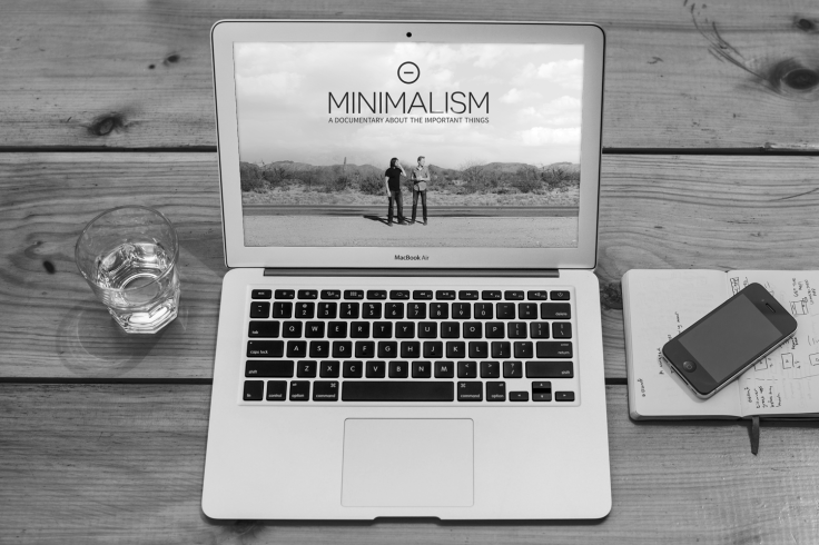 minimalism-on-the-desktop-bw